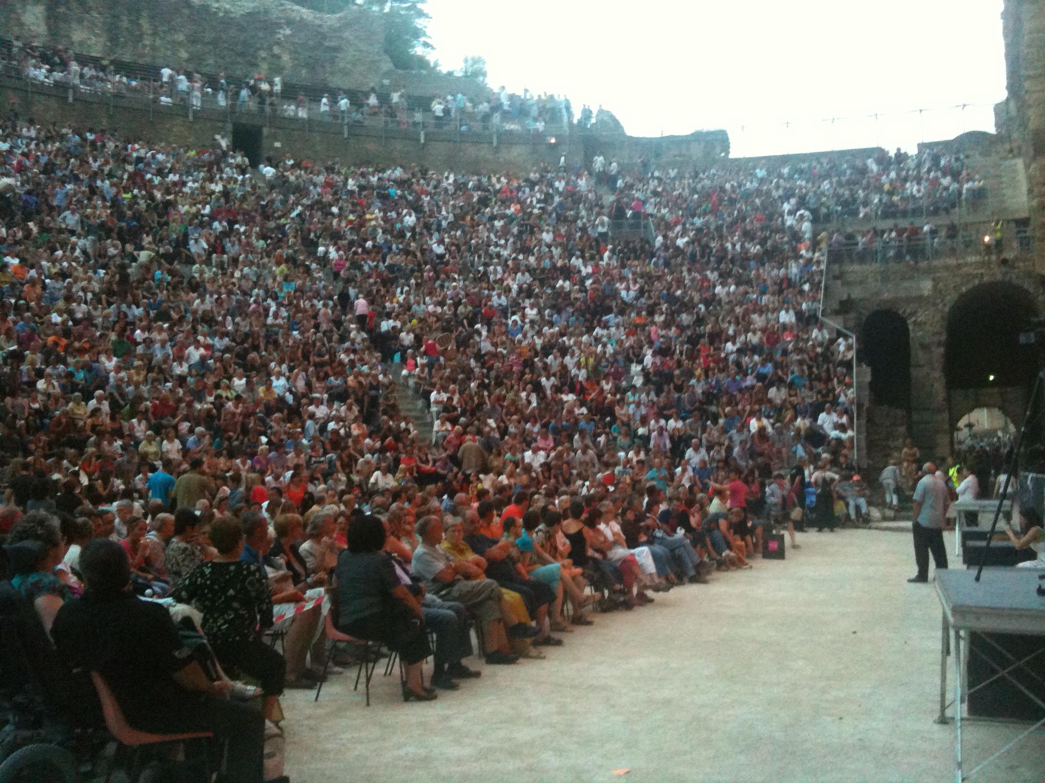 public-en-place-9000-personnes-environ